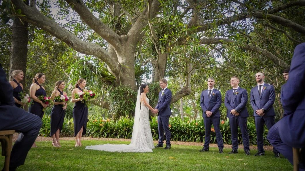 Kaitlyn&Marcus_Gabbinbar-wedding video_01